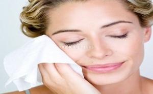 Мокри Кърпички за Почистване на Лице за Мазна и Комбинирана Кожа