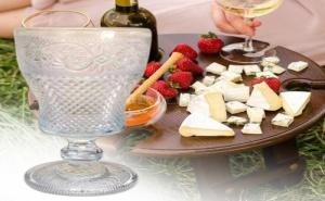 Комплект 6 Броя Гравирани Чаши за Вино на Столче