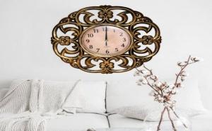 Голям Стенен Часовник с Орнаментирана Рамка