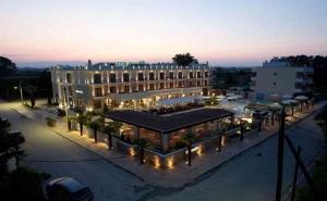 5 Дни за Двама със Закуска и Вечеря през Септември в Bomo Danai Hotel & Spa