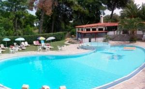 5 Дни за Двама със Закуска и Вечеря през Септември в Kassandra Bay Hotel