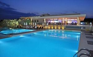 5 Дни за Двама със Закуска и Вечеря през Септември в Aeolis Thassos Palace Hotel