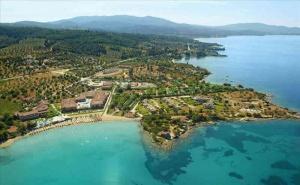 5 Дни за Двама със Закуска и Вечеря през Септември в Anthemus Sea Beach Hotel & Spa