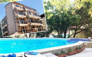 Нощувка за 2-Ма, 3-Ма или 4-Ма + Басейн в Семеен Хотел <em>Елена</em>, на 150М. от Плажа в Приморско