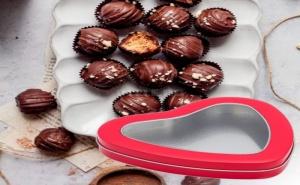 Метална Кутия за Шоколад Сърце