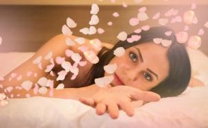 Терапия При Мазна Кожа на Лицето, Предразположена Към Акне + Масаж от Салон за Красота Alga Beauty & Spa, София