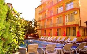 Нощувка на човек със Закуска + Басейн в Хотел Риор, <em>Слънчев бряг</em>! Дете до 12Г. – Безплатно