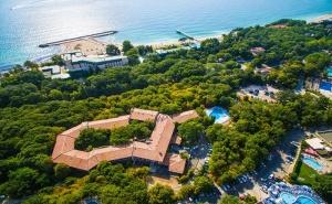 Лято на 150м. от плажа в Златни пясъци. Нощувка на човек със закуска + басейн в хотел Преслав***