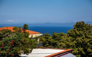 5 Дни за Двама със Закуска през Юни 2021 в Adonis Hotel Kriopigi