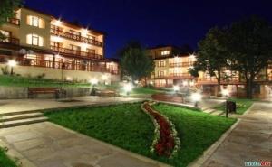 Нощувка със Закуска и Вечеря за Двама  през Уикенда в Хотел Армира, <em>Старозагорски минерални бани</em>