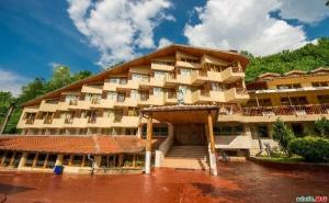 Есенна Ваканция в Чифлика, Пълен Пансион през Седмицата Цена  на човек в Хотел Дива