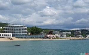 На Море с Минерален  Басейн през Есента и Зимата със Спа, Закуски и Вечери в Сириус Бийч, Св. Константин и Елена