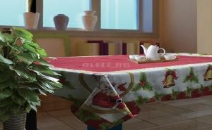 Свежа Коледна Покривка с Дядо Коледа и Камбанки