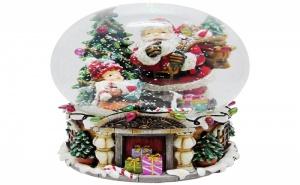 Уникално Коледно Преспапие Дядо Коледа с Подаръци