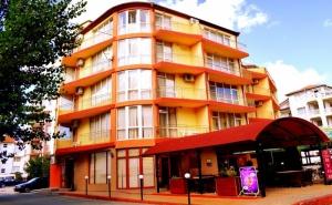 Нощувка на човек със закуска и вечеря* в хотел Риор, Слънчев бряг. Дете до 12г. – БЕЗПЛАТНО