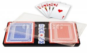 2 тестета карти за игра в кутия плюс 6 зарчета