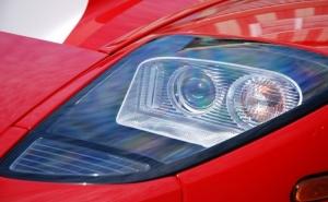 Полиране на Фарове на Лек Автомобил от Автокозметичен Център Авто Макс