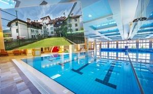 Нощувка на човек със закуска + топъл басейн + СПА зона в хотел 7 Пулс & СПА Апартмънтс, Банско