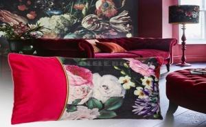 Красива Декоративна Възглавница Рози