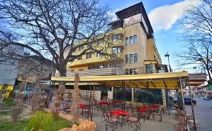 3 Нощувки на човек на Цената на 2 + Закуски и Вечери + Топъл Минерален Басейн и Релакс Пакет от Хотел България, Велинград
