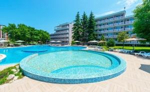 Лято 2021 в Приморско! Нощувка на човек на база All Inclusive в хотел Белица, на 300м. от плаж Перла. Дете до 12г. - БЕЗПЛАТНО!