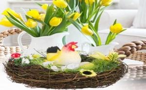 Декоративно Пролетно Гнездо с Кокошка и Яйца