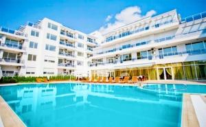 Лято 2021 в Поморие на 150М. от Морето ! Нощувка на човек на База All Inclusive + Басейн в Хотел Инкогнито