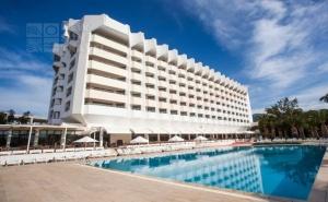 Майски Празници в Кесре, Турция! 5 или 7 Нощувки на човек на База All Inclusive + Частен Плаж, 2 Басейна и Водни Пързалки от Ladonia Kesre Hotel. Дете до 13Г. Безплатно