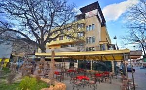 Великден във <em>Велинград</em>! 3 или 4 Нощувки на човек със Закуски и Вечери + Празничен Обяд + Топъл Минерален Басейн и Релакс Пакет от Хотел България