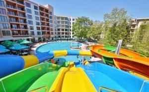 Нощувка на човек в апартамент на база All Inclusive + 3 басейна и 2 аквапарка от Престиж хотел и аквапарк, Златни пясъци