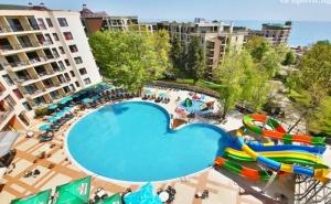 Нощувка на човек в двойна стая на база All Inclusive + 3 басейна и 2 аквапарка от Престиж хотел и аквапарк, Златни пясъци
