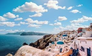 Екскурзия до о. Санторини, Гърция през Юли и Септември 2021. Автобусен Транспорт + 4 Нощувки на човек със Закуски + Pcr Тест!