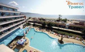 Изгодни цени за почивка на <em>Слънчев бряг</em> в хотел Глобус със закуска и басейн /18.06.2021 г. - 30.06.2021 г. или 01.09.2021 - 15.09.2021 г./