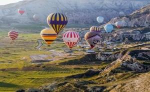 Екскурзия през Септември и Октомври до Анталия и Кападокия, Турция! Самолетен Билет от София + 7 Нощувки на човек със Закуски и Вечери в Хотел  4* + 3 Екскурзии!