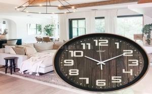 Оригинален Стенен Часовник Имитиращ Дърво