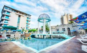 Лято 2021 в <em>Китен</em> на Топ Цена! Нощувка на човек със Закуска и Вечеря + Басейн в Изцяло Обновения Хотел <em>Китен</em> Бийч, на 200 М. от Плажа