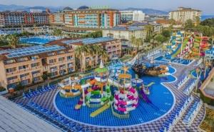 Почивка в Алания, Турция през юли и август 2021. Чартърен полет от София + 7 нощувки на човек на база Ultra All Inclusive в хотел Lonicera Resort & Spa 5*!