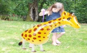 Балон Ходещ Жираф с Крачета