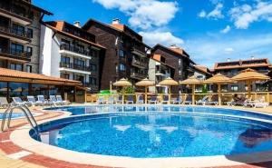Нощувка на човек със закуска и вечеря +  басейн и Термална зона от Балканско Бижу апартхотел****, до Банско