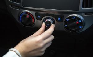 Цялостна Профилактика на Климатик на Автомобил Плюс Добавяне на Масло в Климатичната Система от Автосервиз Крит, София
