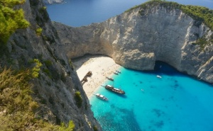 Почивка на Остров Закинтос, Гърция през Септември 2021. Автобусен Транспорт + 5 Нощувки на човек със Закуски и Вечери!